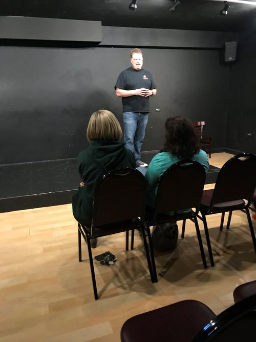 westside improv founder jeff ash teaching an eight week intro to improv class