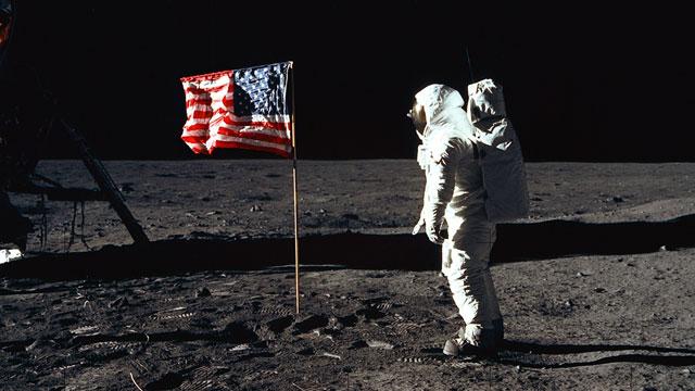 apollo-americanflag.jpg