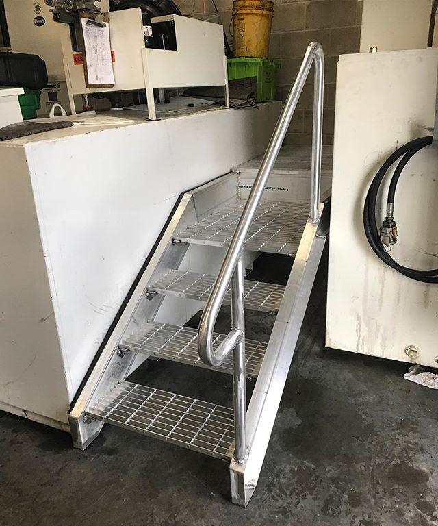 Nice little aluminum stairset and platform for @nationalgrid maintainers oil storage room #welder #welders #welding #aluminum #aluminumwelding #miscmetals #miscellaneousmetals #stairs #aluminumstairs #maintenancefacility #maintainer #maintainers #safety #safetyaccess #fleetmaintenance #olearywelding #olearyindustrialproducts