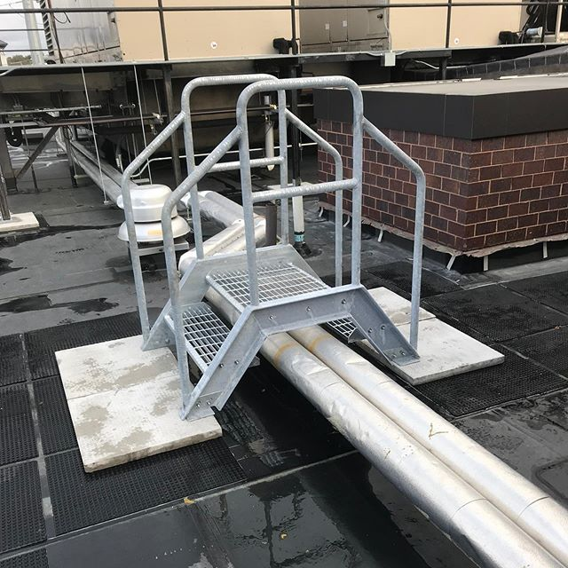 Installed a small galvanized crossover platform that we built for a rooftop in Chelsea this morning. #welder #welders #welding #metalfab #miscmetals #miscellaneousmetals #steelwork #designbuildinstall #crossoverplatform #steelplatform #galvanized #galvanizedsteel #rooftop #olearywelding