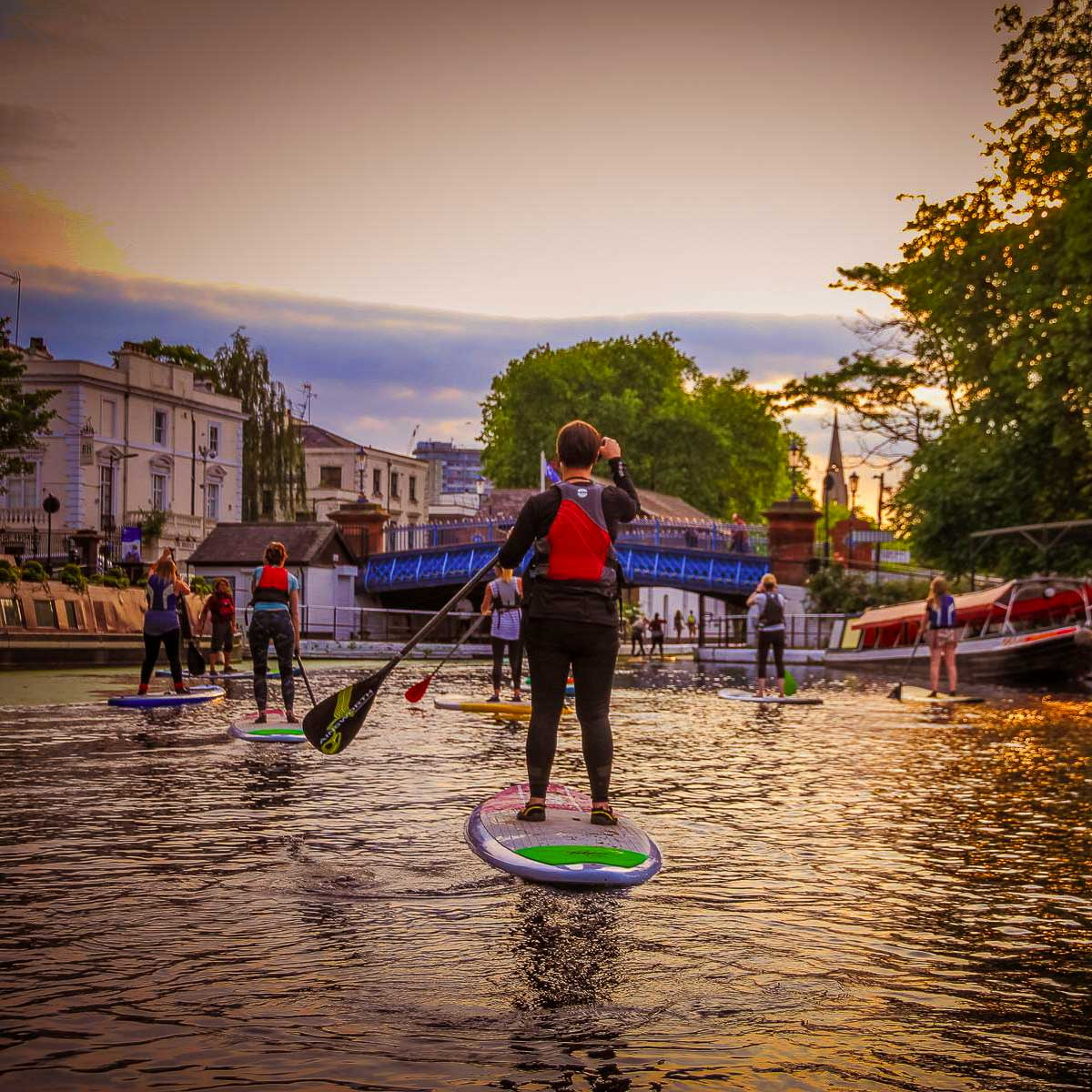 NIGHT SUP ON THE GRAND UNION CANAL - ALL LEVELS WELCOME | COME LEARN WITH US!