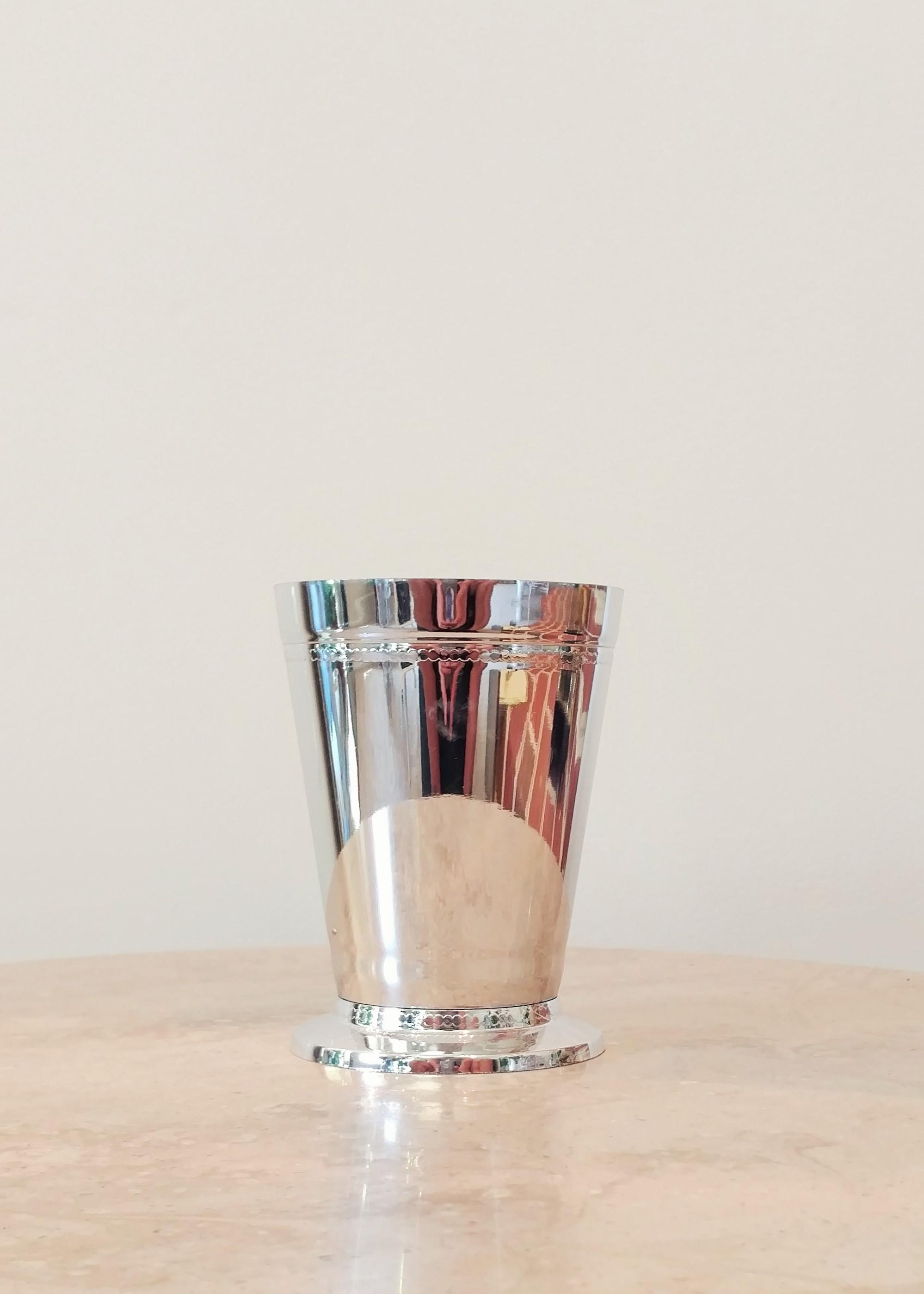 """4.5"""" Plastic Metallic Vase (3.5"""" Diameter)"""