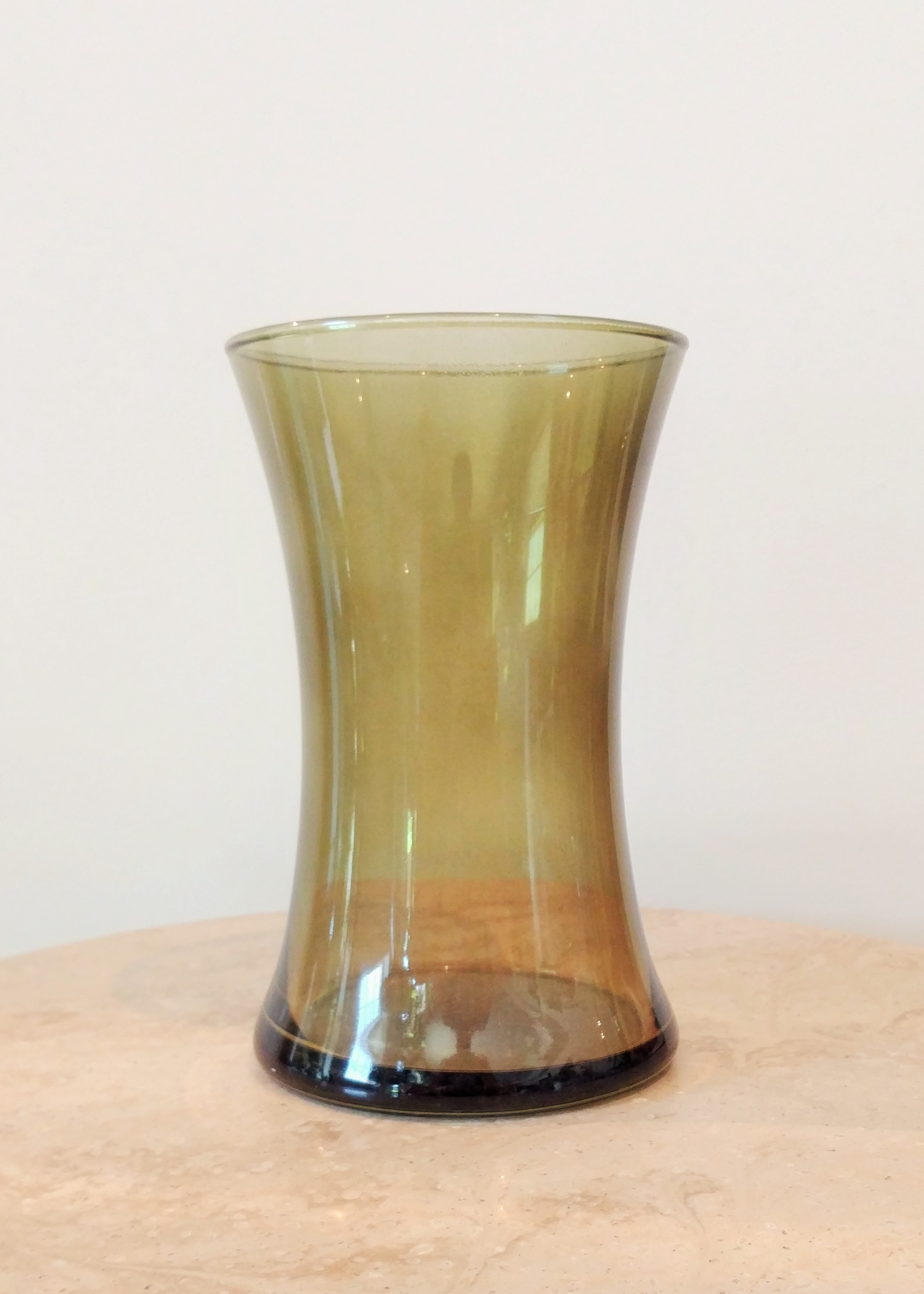 "9"" Curved Vase (4"" Diameter)"
