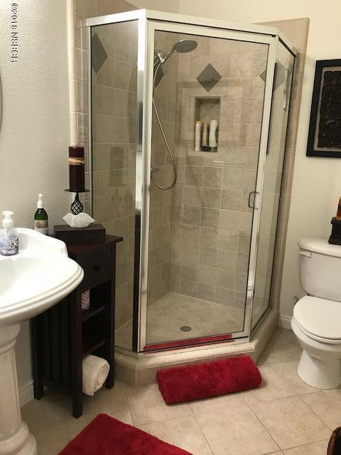 784MercuryAvenue_Bathroom.jpg