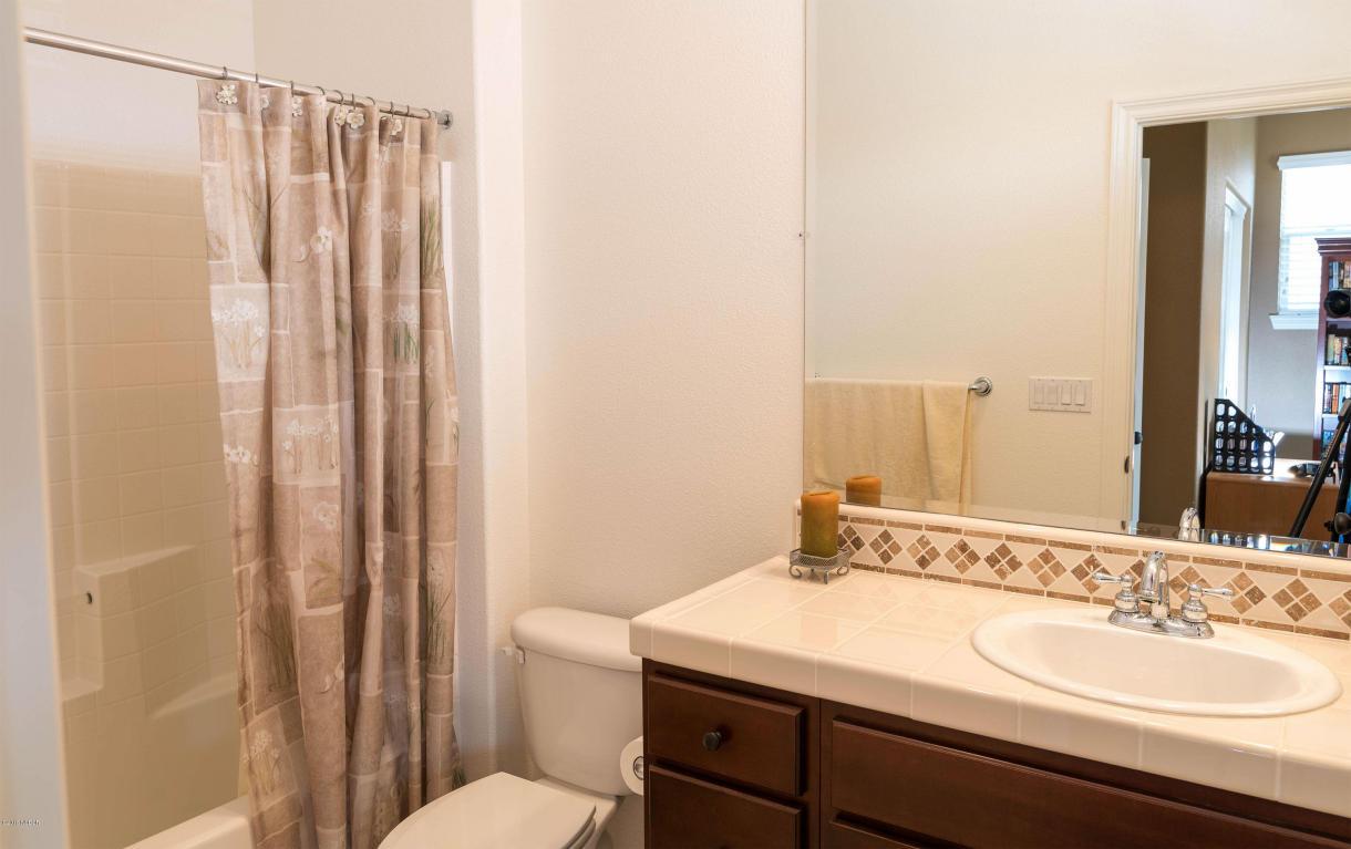 784MercuryAvenue_Bathroom3.jpg