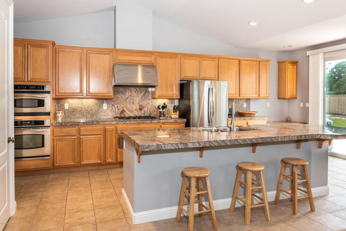 2986BarberryCourt_kitchen2.jpg