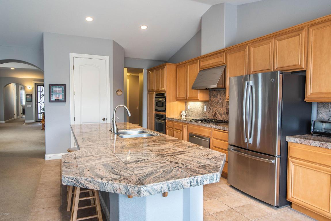 2986BarberryCourt_kitchen3.jpg