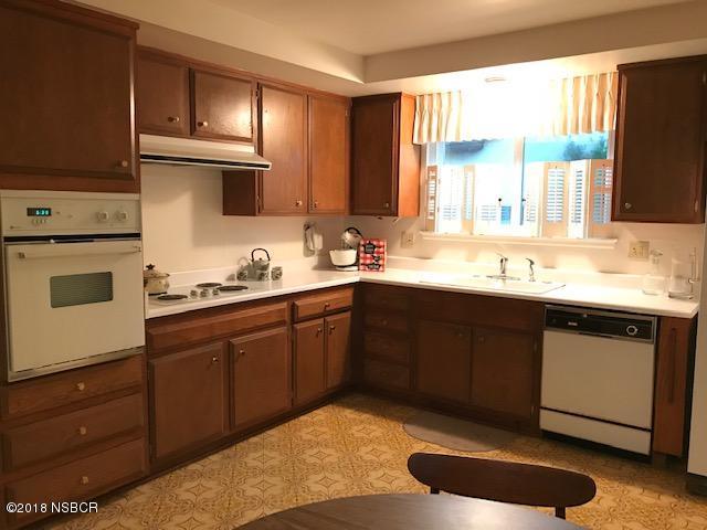 1528SheffieldDrive_kitchen.jpg