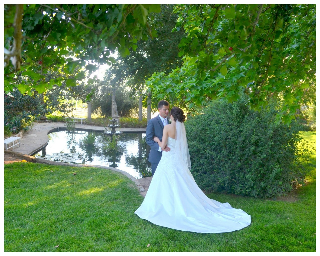 Koi Pond - A Koi pond is a tranquil setting to relax and enjoy the sights and sounds of nature. Set next to our Banquet Hall, the pond is just a few steps through the open sliding glass doors. A perfect setting to capture a photograph of your special day.