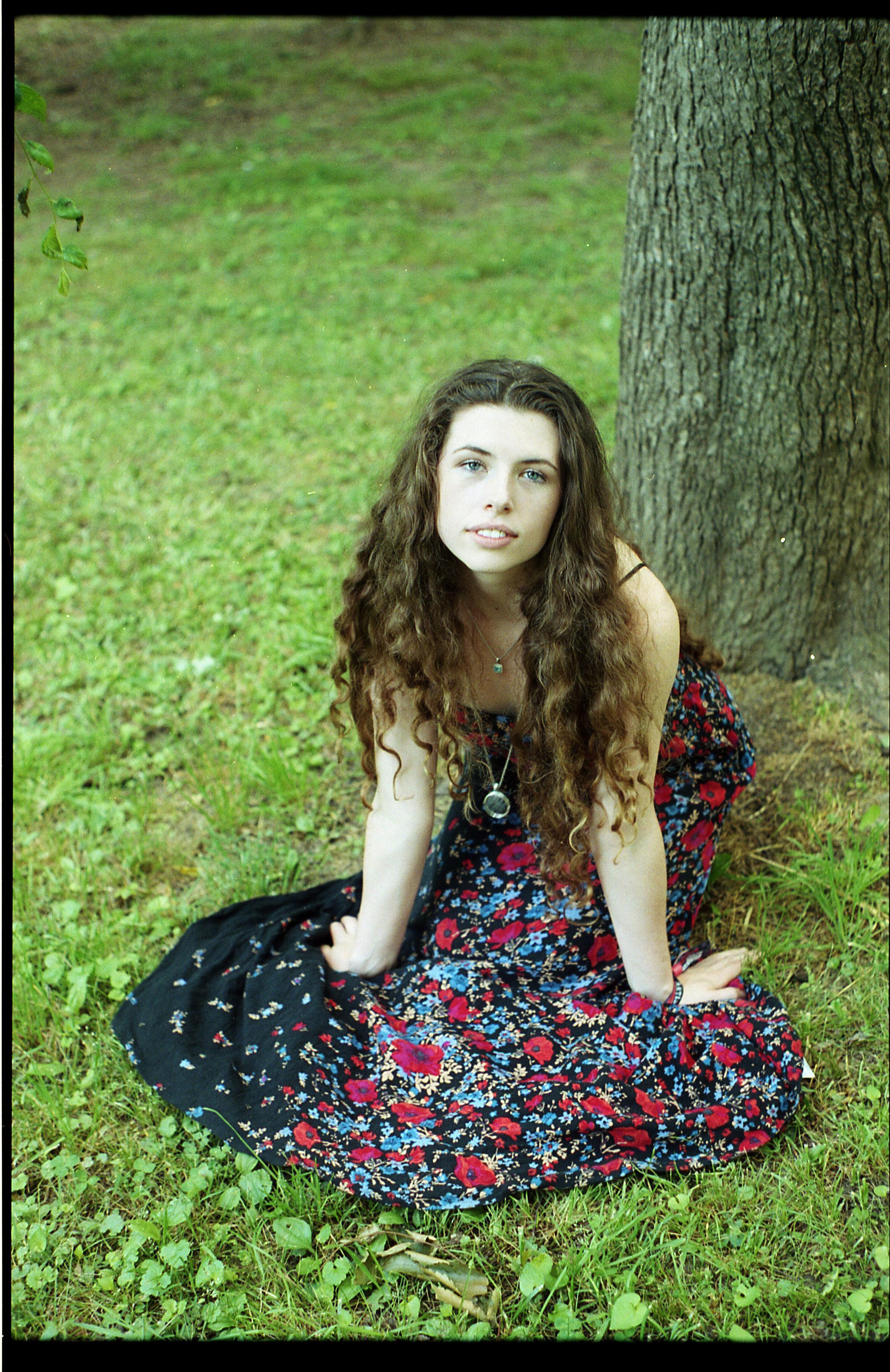 Hannah Wicklund_SKnees008.jpg