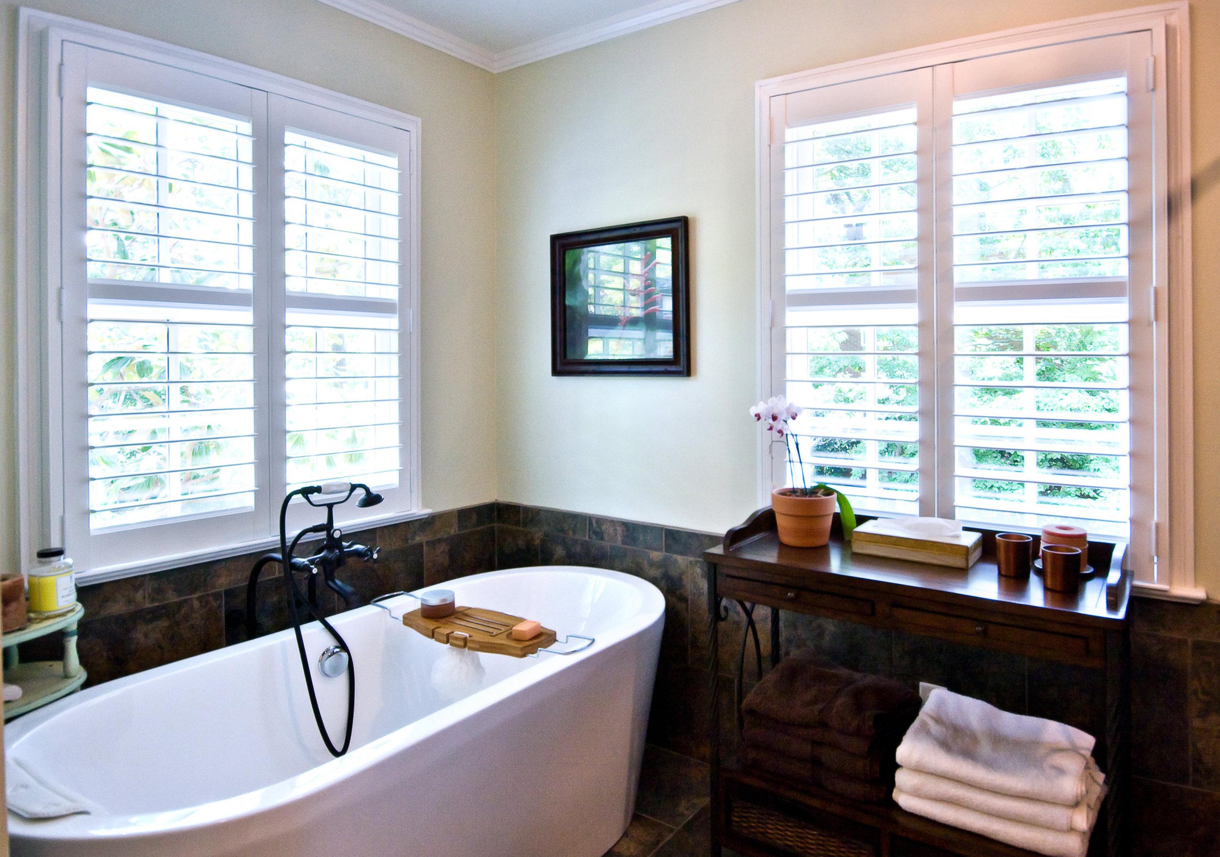 12 Sayle Bath Tub.jpg