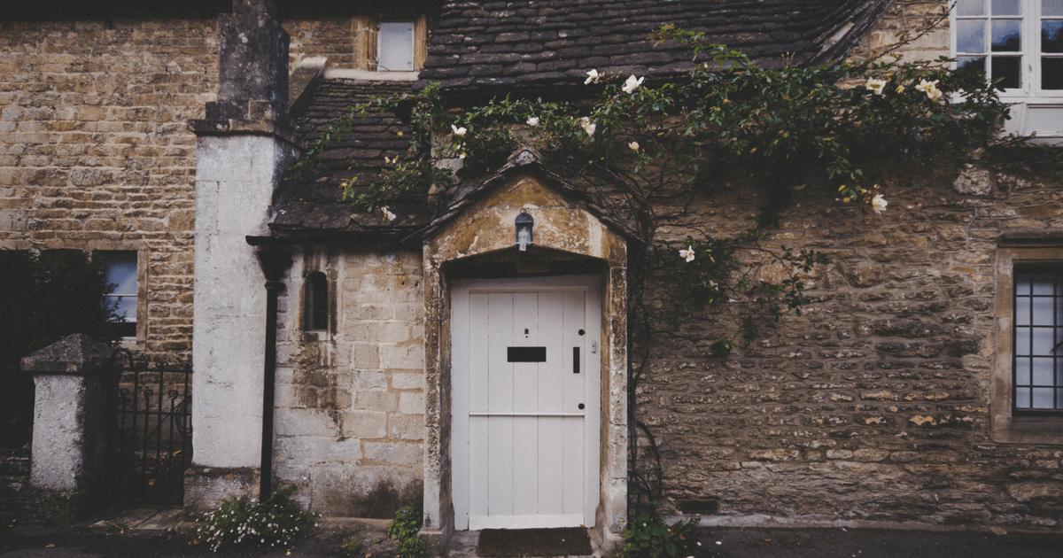 opencloseddoor.png