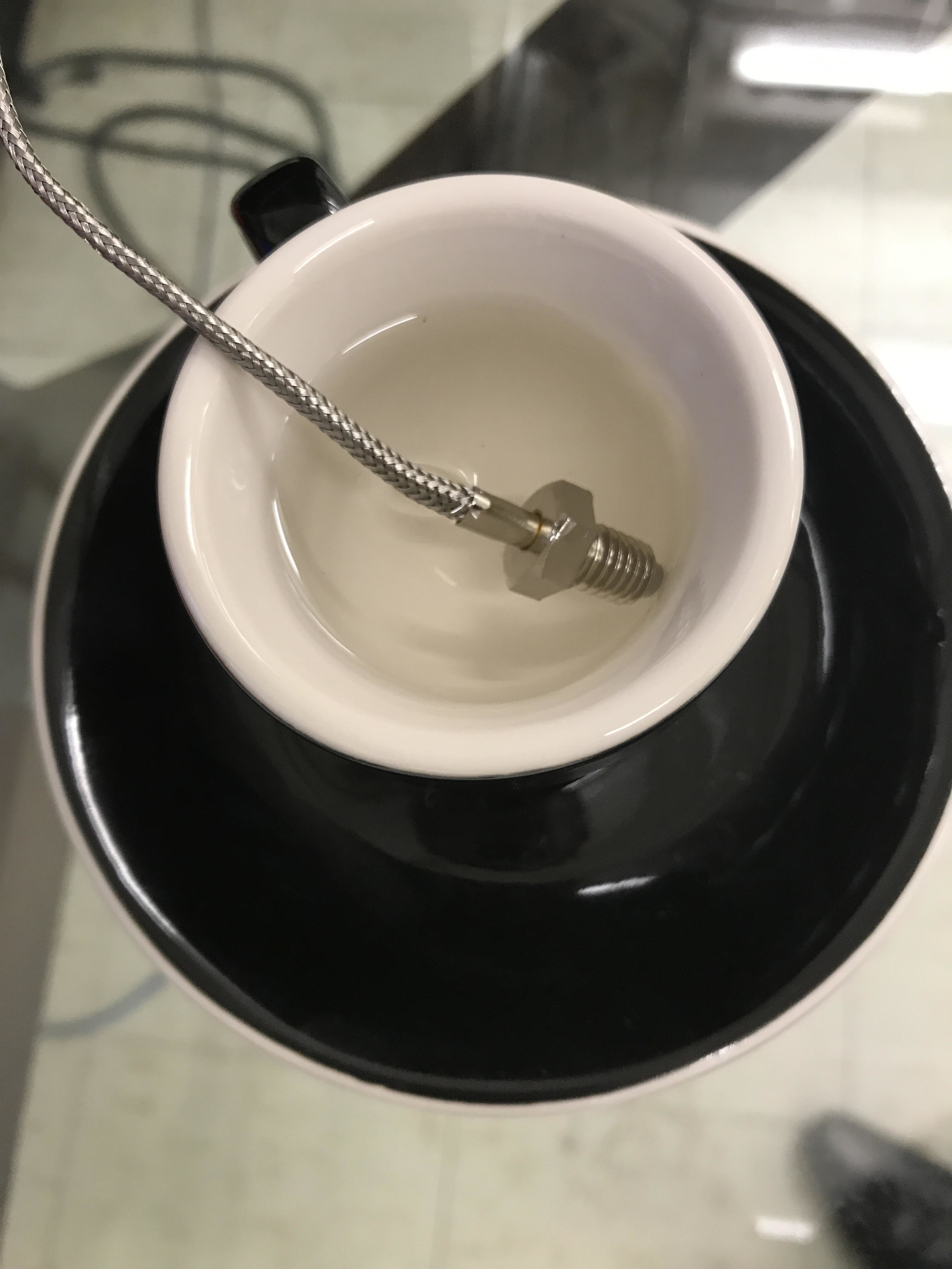 zoom_thermocouple_in_cup.jpg