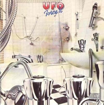 UFO-albumhoes-censored-768x773.jpg