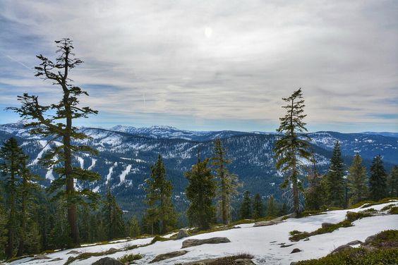 https://www.theoutbound.com/lake-tahoe/hiking/hiking-to-ralston-peak