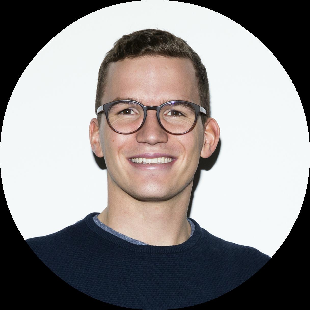 Lukas Streit  Communication & Marketing