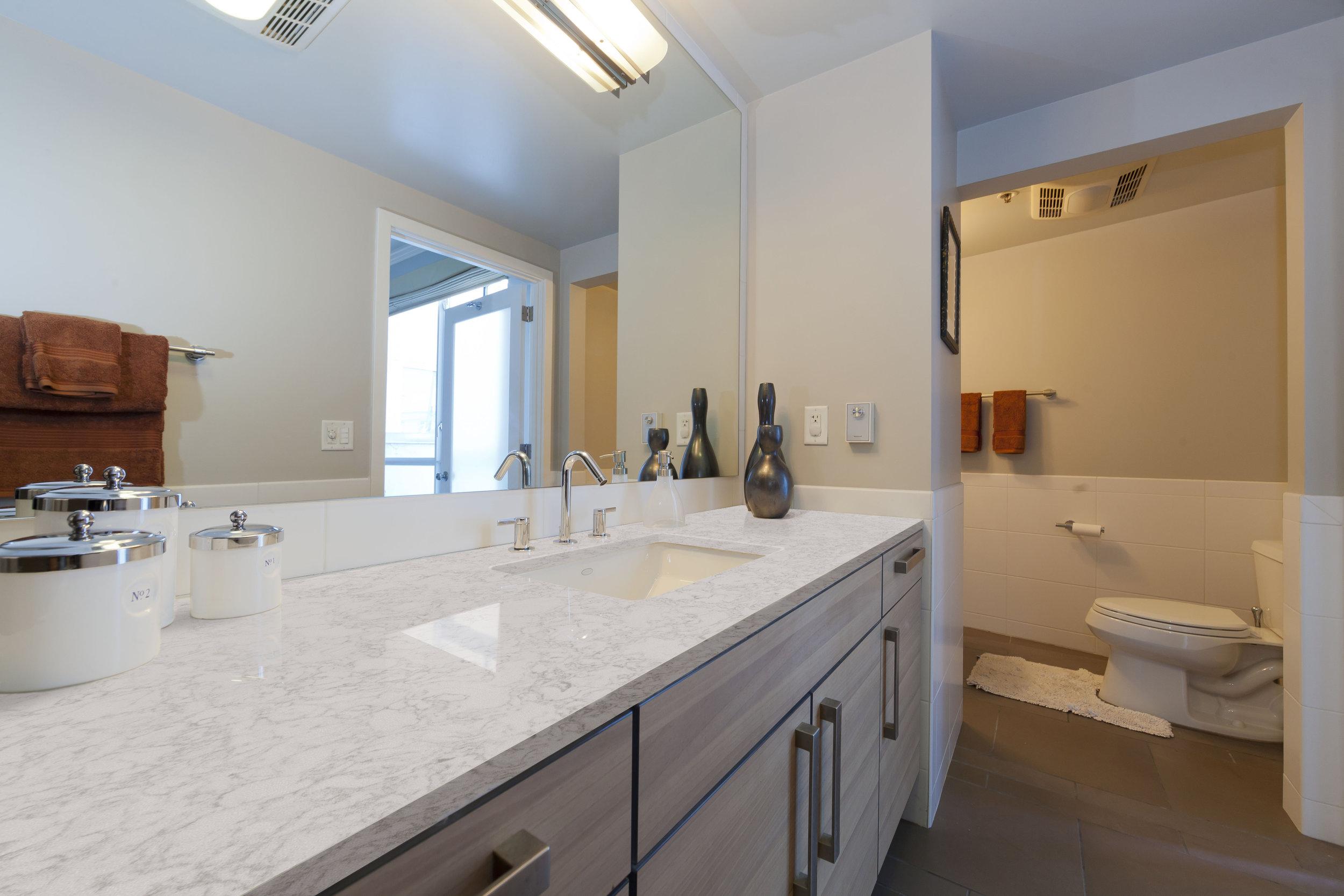 SpectrumQuartz-Cloud9-Bathroom.jpg