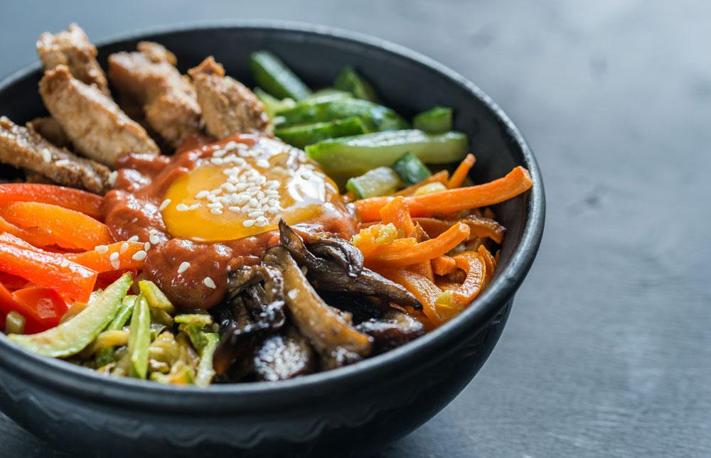 經典韓式⽕雞拌飯 -
