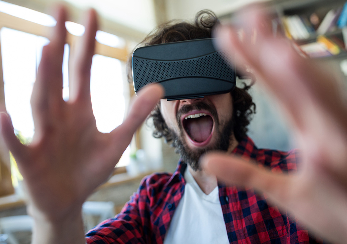 VR: VIRTUAL REALITY - Virtual worlds, real experiences. Immerse your audience into your projects with Virtual Reality.