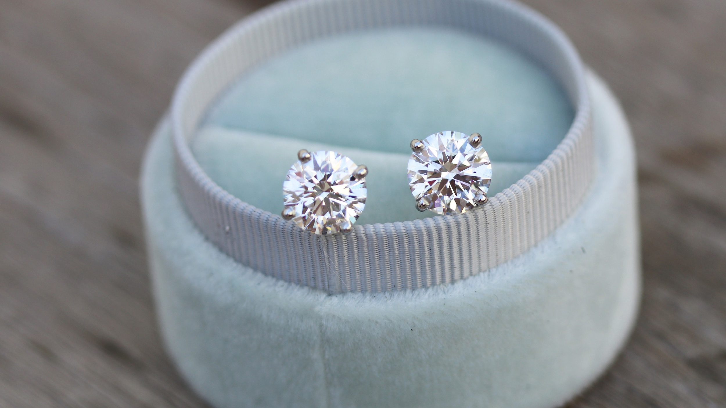 lab diamond round stud earrings with earring jackets
