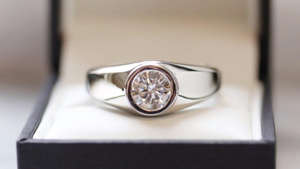 men's lab diamond bezel set round brilliant wedding band in platinum