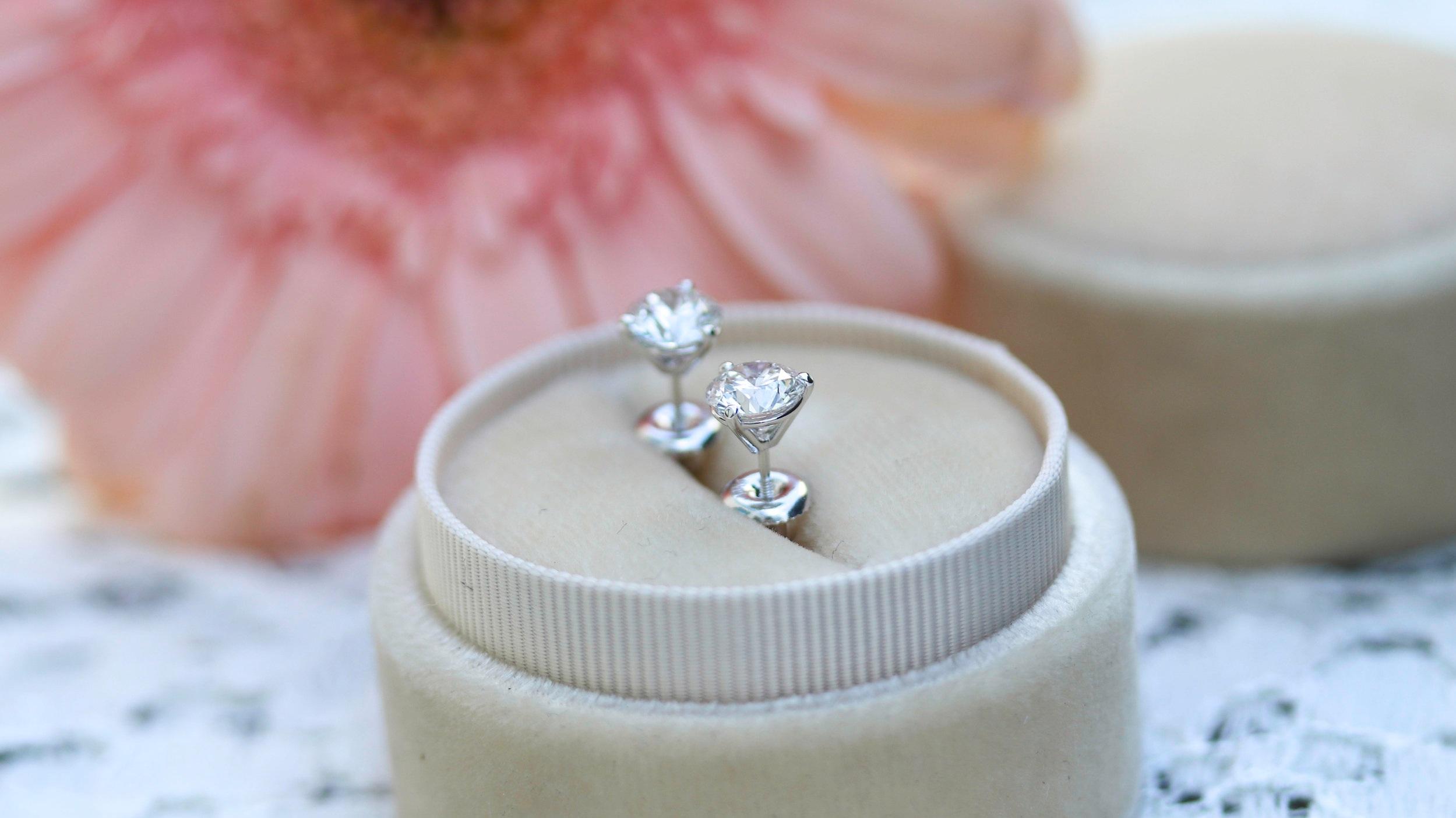Lab Diamond Emerald Cut Halo Stud Earrings in White Gold AD-196