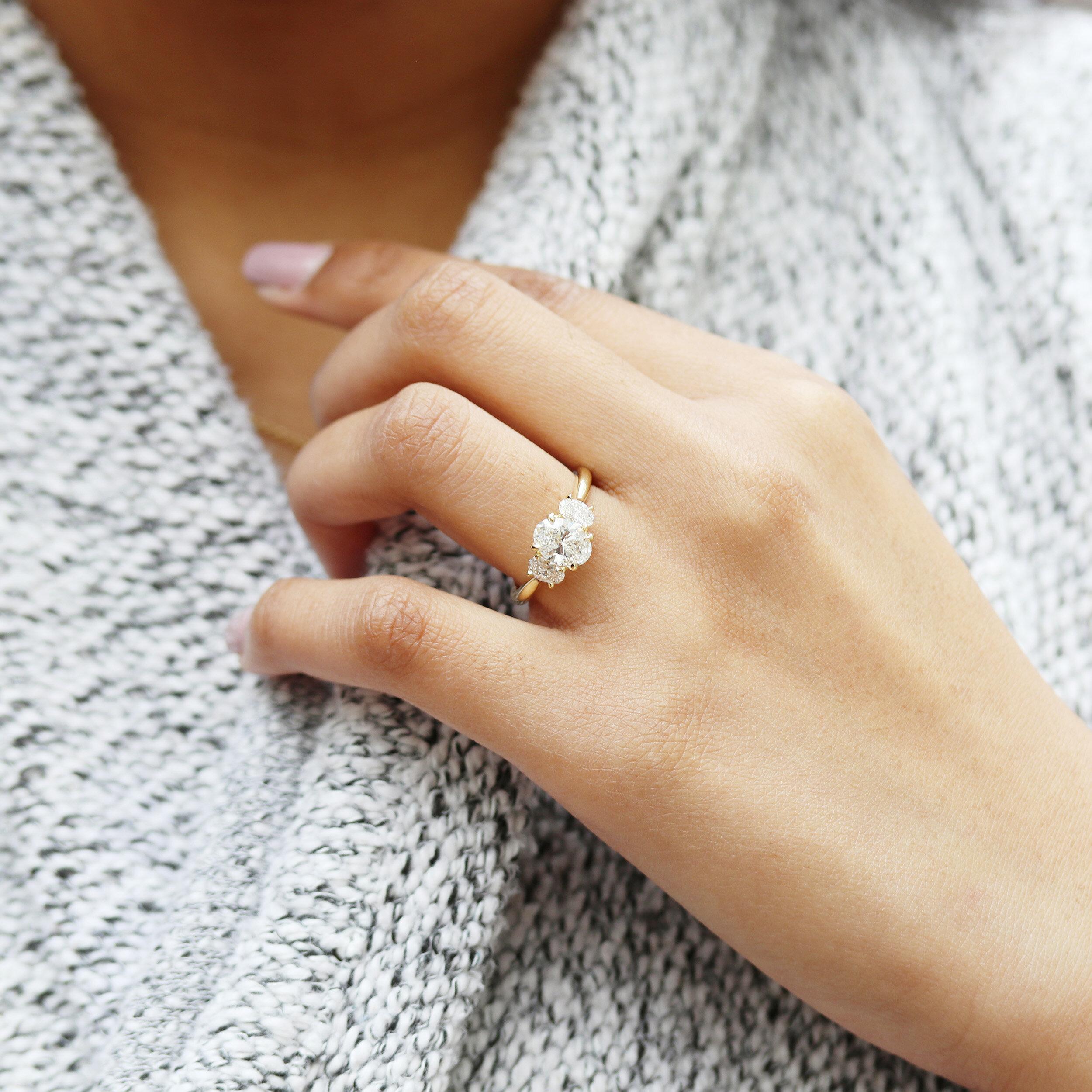 Gold ring for her Elegant ring Women ring gold Multistone ring Tiny ring gold White gold ring Twist ring,Cz ring gold,White stone ring