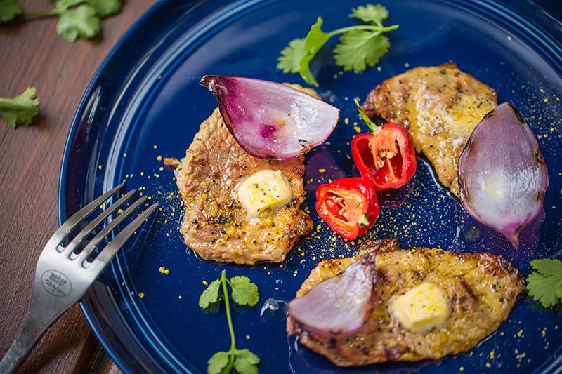 34_Recetario Weber_Steaks de Cerdo al Limón-800.jpg