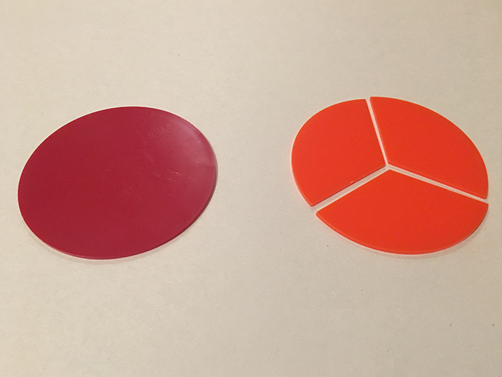 fractions-same-but-diferent-red-pies.png