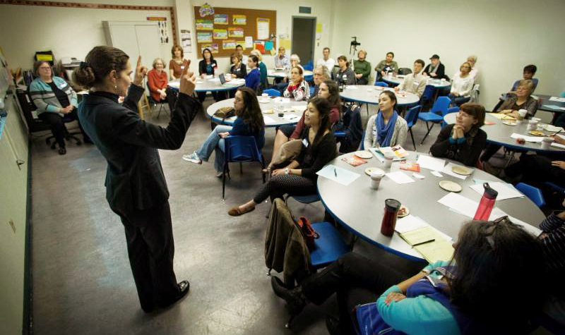 Cañada ESL profs lead SASS tutor training session