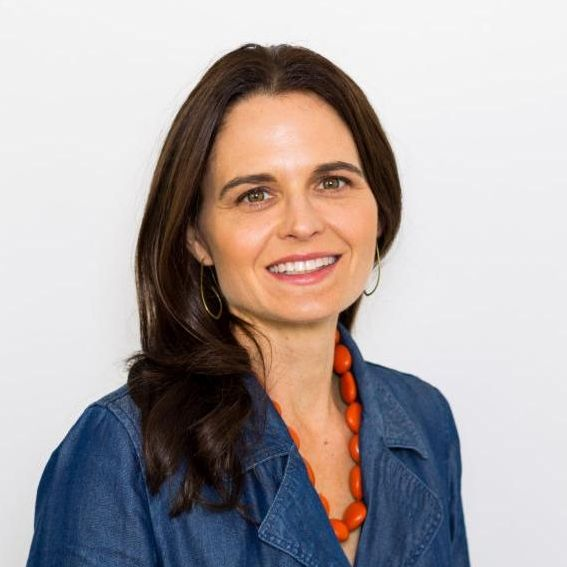 Stefani Jacobson Willis - Stefani Jacobson Willis, a program officer at Pacific Foundation Services, has spent two decades working in the nonprofit and philanthropic sectors, specializing in communications and relationship building. At Upward Scholars, she focuses on fund development.