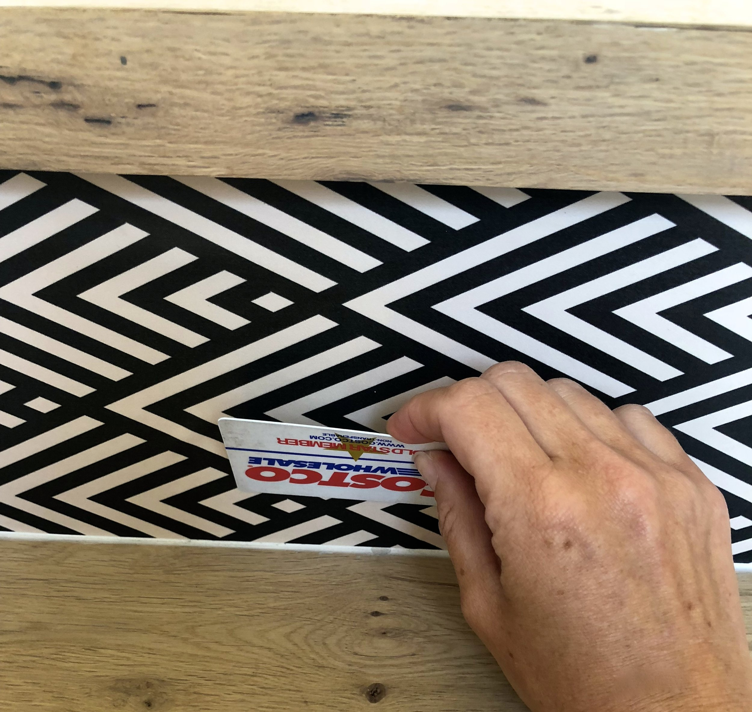 DIY how to wallpaper your stairs