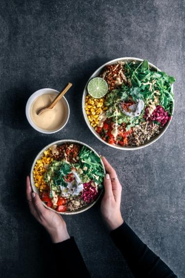 05-mexican-salad-bowls-and-loaded-nachos-bowls.jpg