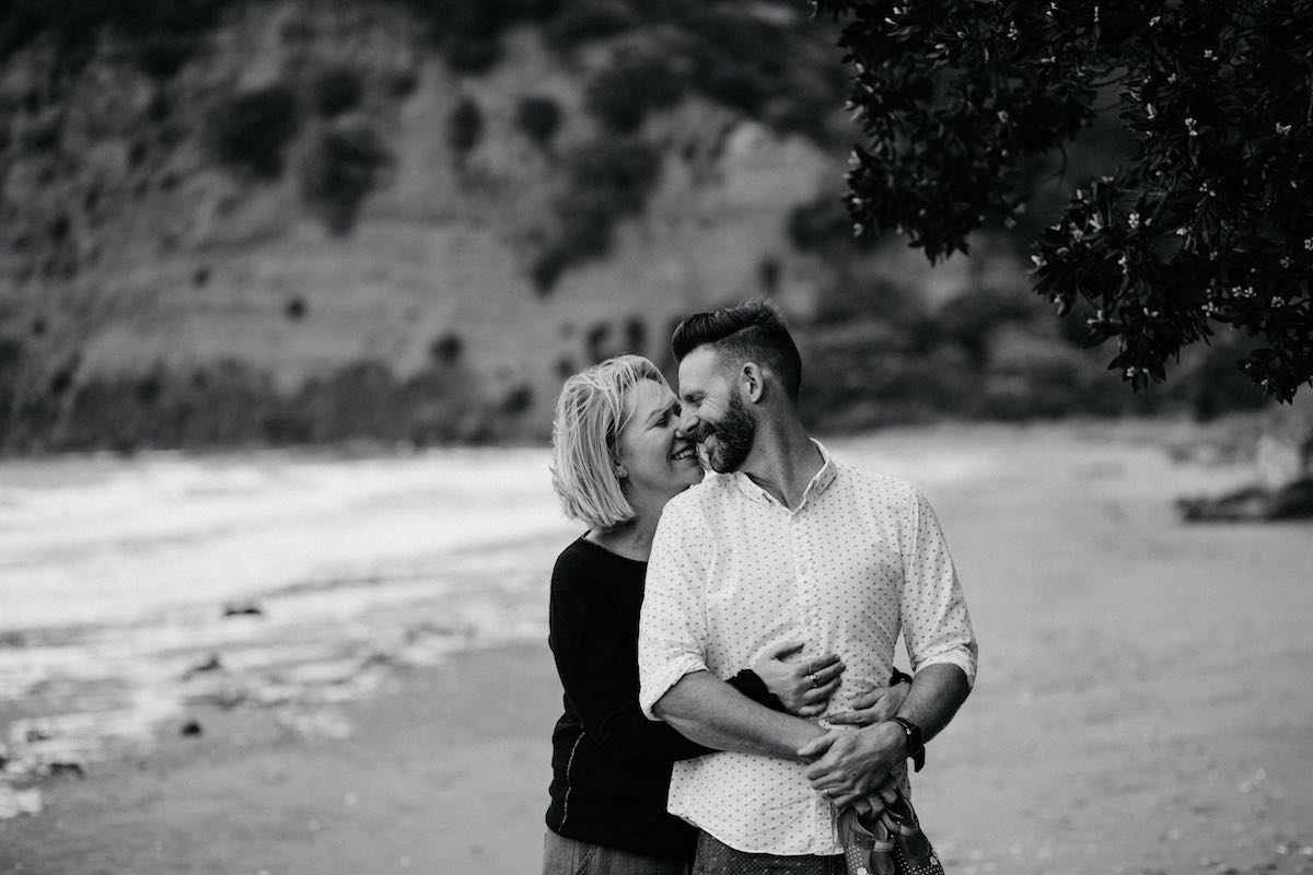 Couple Black and White photo family session Wenderholm.jpg