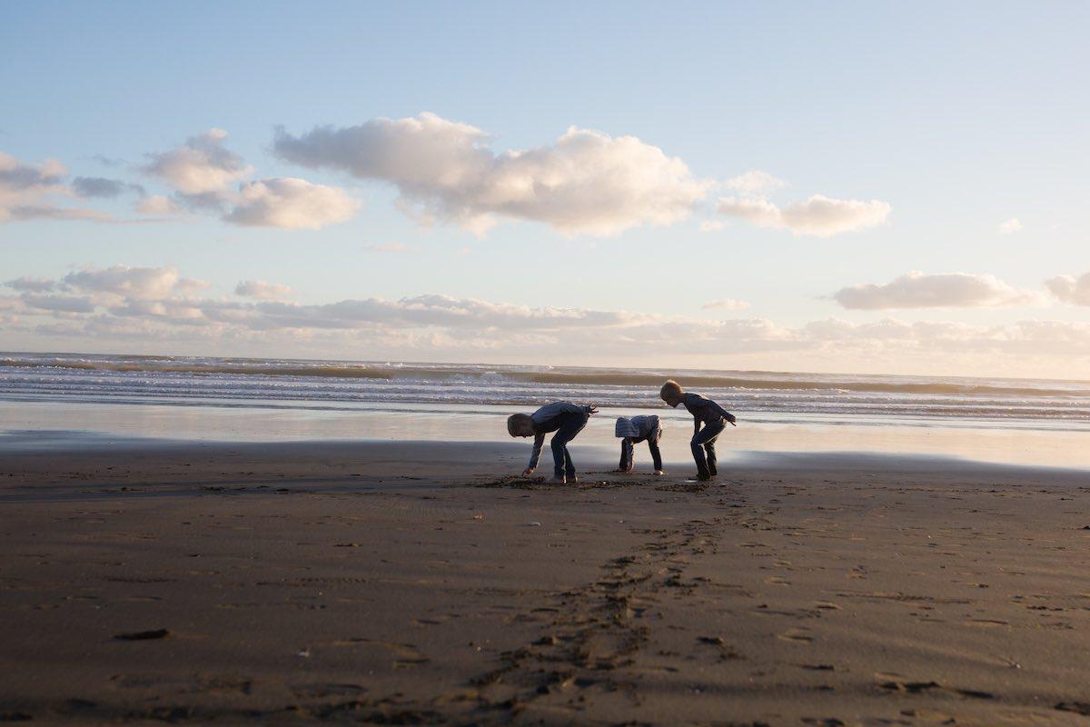 Portrait of children family session at beach.jpg