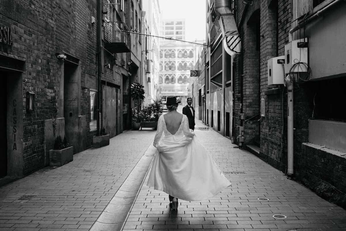 Urban wedding photo-Emily Chalk wedding photographer.jpg