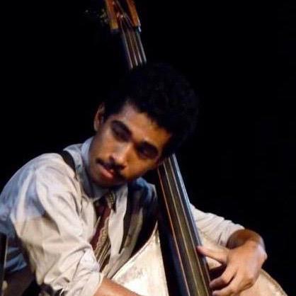Malik McLaurine bass -