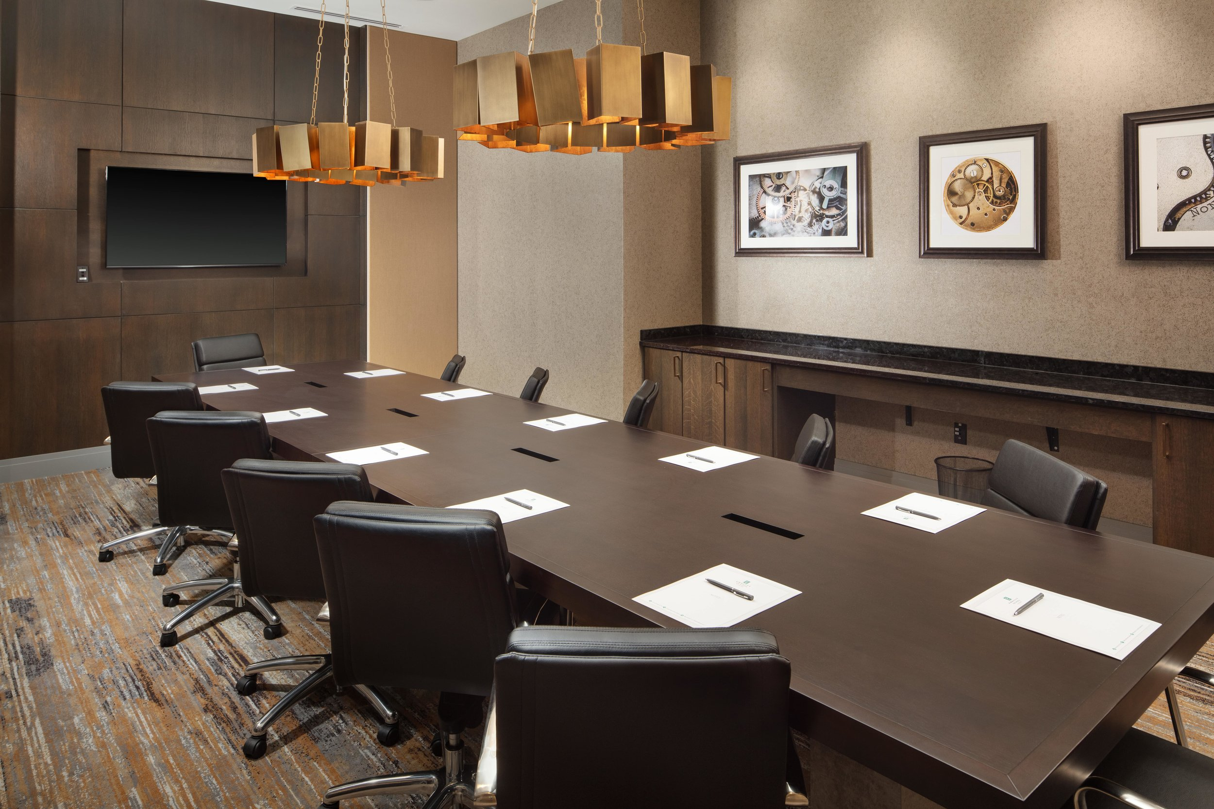 Notre_dame_Embassy_suites_suites_Fort_Wayne_meeting room B-min.jpg