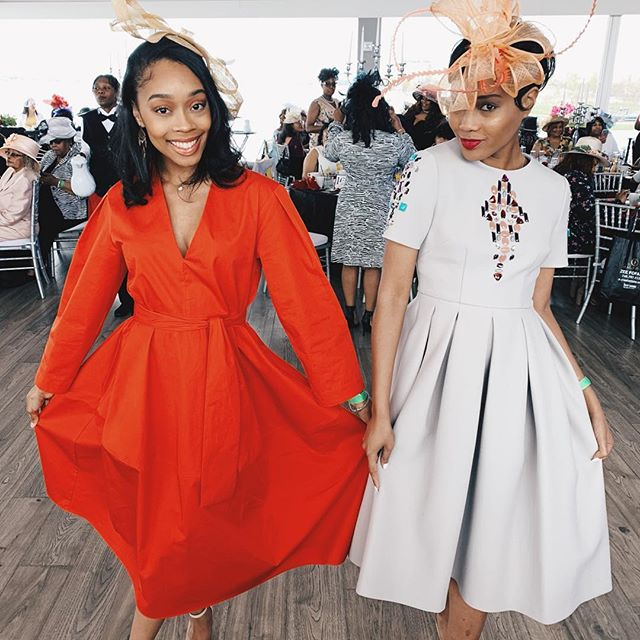We were all church mothers/derby gals/ baddies/ aunties/ queens today👒🏇🏽 This was my first time attending the Detroit Derby Brunch. My headpiece looked like some sad dog ears when it came in the mail yesterday. Thank God for aunties who make everything better 😂  The event was so fab! Dressed in Derby attire, ate some delish food, and had an amazing convo about self care. Also lots of mimosas and pics 🥂😘 #DetroitDerbyBrunch @detroitderbybrunch