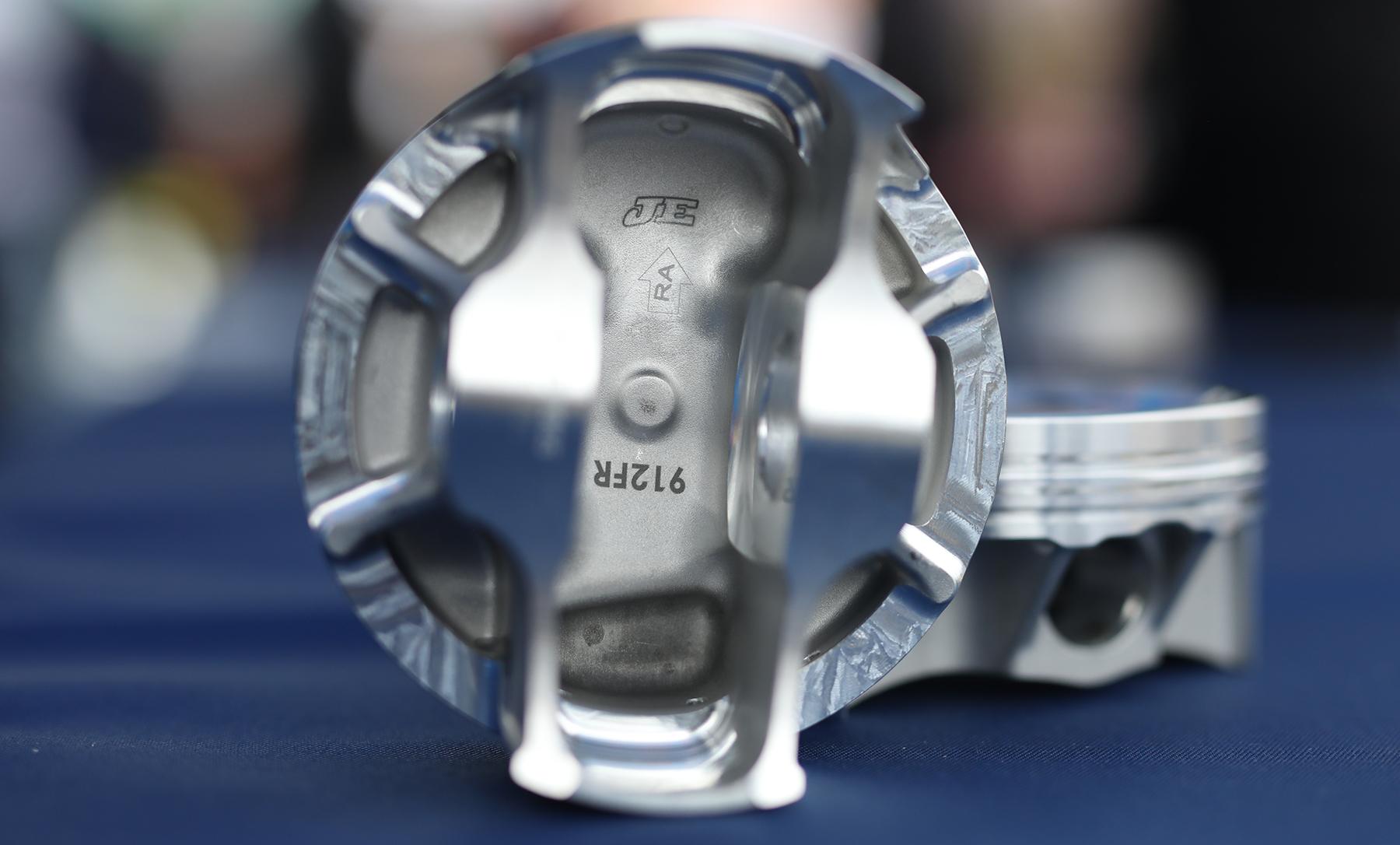 AA5_0269 1800 JE pistons.jpg