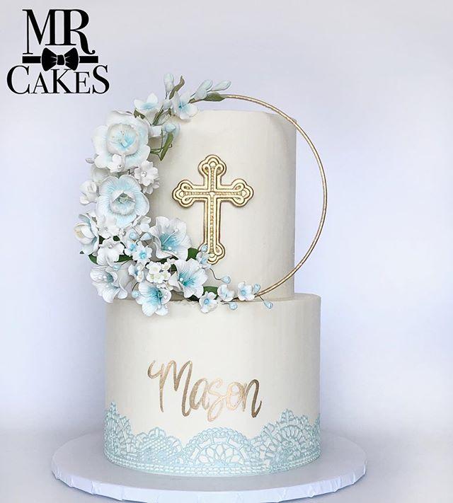 Loved making this cake for little Mason's Baptism this past weekend. #godblessmason #baptism #baptismcake #floral #floralwreath #sugarlace #thesugarart #ediblelace #lace #lacecake #floralcakes #mrcakes #mrcakesusa #husbandsthatbake #bakinghusbands #decoratinghusbands #thehusbands #cake #cakescakescakes #cakestagram #instacake #instagramcake #cakesofinstagram #sandiego #sdbakers #sdbakery #foodnetwork #sandiegobakersclub @foodnetwork @sandiegobakersclub @_bbescondido @thesugarart @antons_garage_doors