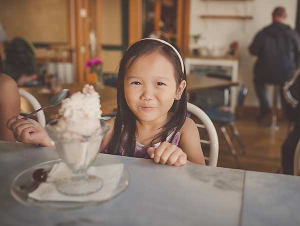 I couldn't have asked for cuter and well mannered little girls. Harlow (3), Luna (4), and Addy (7). They loved getting Sundaes and playing dress up! after the session, we decided to head over to the gum wall for some impromptu shots. I had so much fun with them and so glad I went with my vision. I think they turned out perfect!