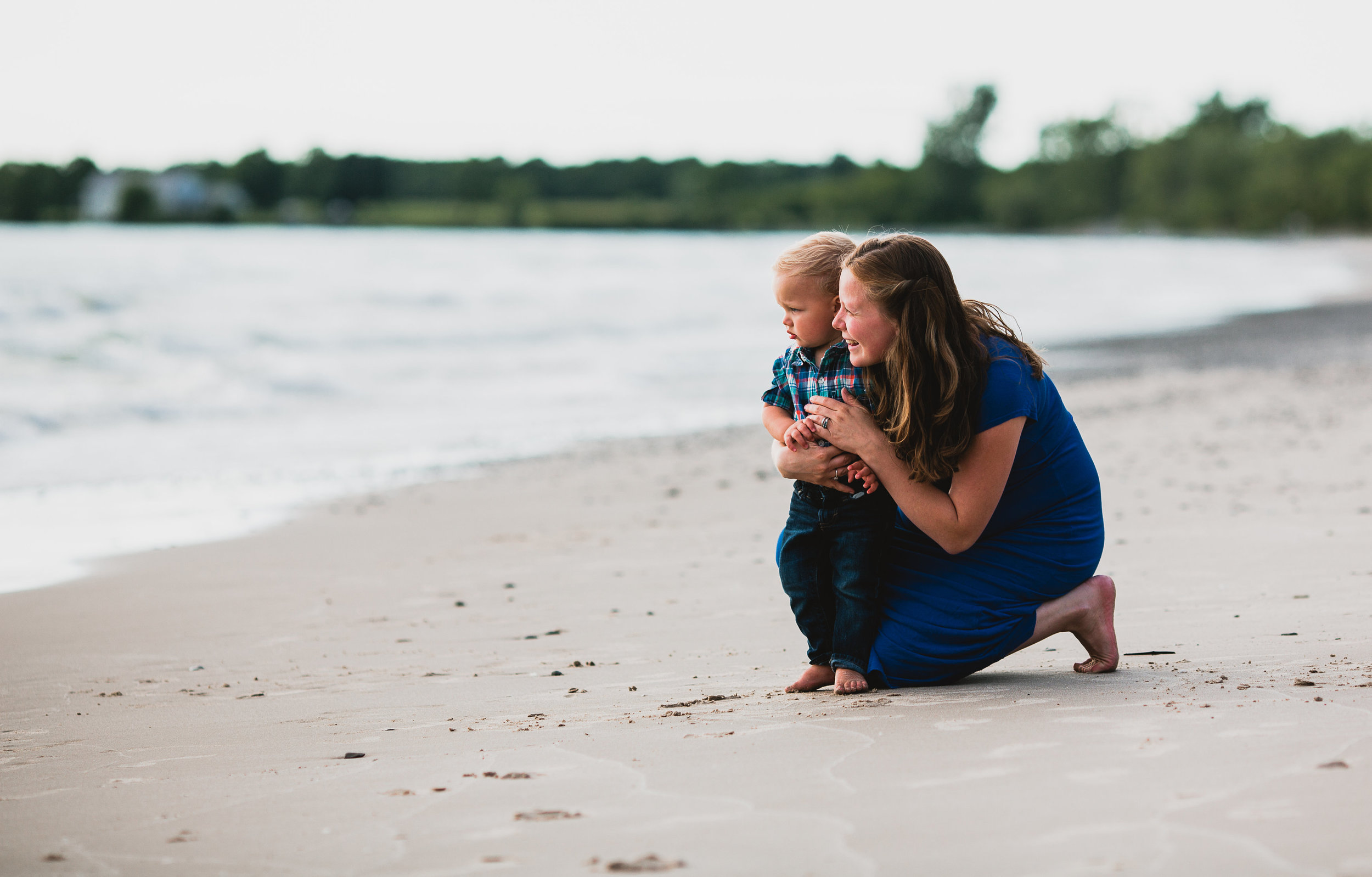 Avery and Trevor Maternity and Family Session-0015.jpg