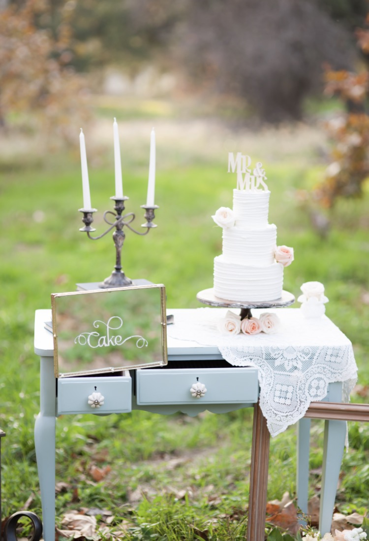 Elegant, traditional, rustic wedding cake design. Nicole Bakes Cakes is a Southern California boutique wedding cake designer specializing in artistic, unique, out of the box wedding cakes and desserts throughout Los Angeles, South Bay, and Long Beach.