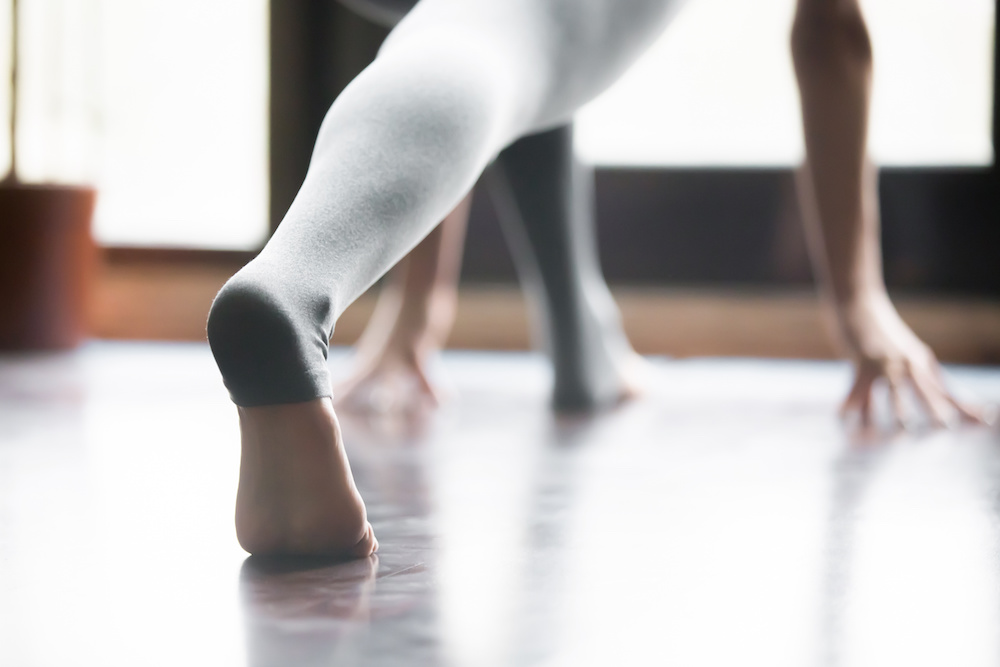 The Method - Working out shouldn't feel like punishment, and at Studio27 it doesn't. We're a movement spa for the soul. By combining the movement techniques of pilates, ballet barre, and yoga we are able to create a full body practice designed to reduce pain, empower the mind & the body.