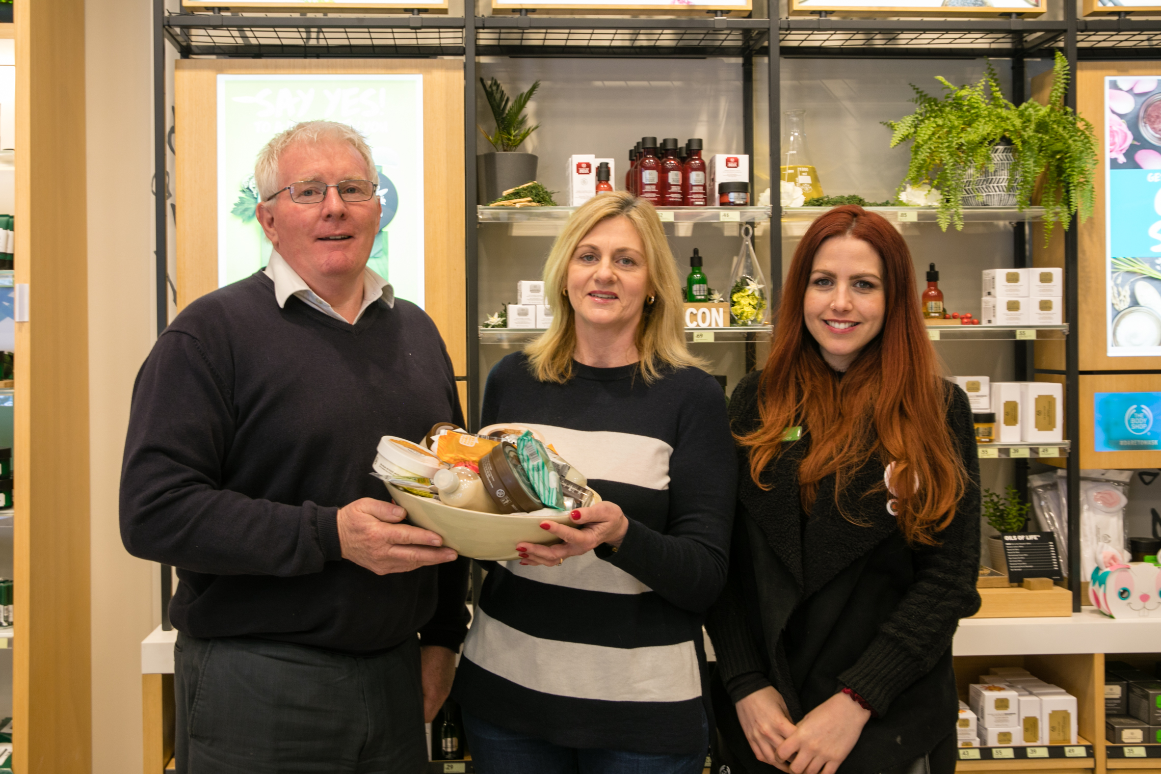 After all of the interest on our  The Body Shop  give away, our winner has stepped forward to collect her prize and take the obligatory winners photo.  Winner, Leanne Siggers, is pictured receiving her prize along with Rachel from the Body and Brett from Centre Management.  Congratulations once again Leanne.