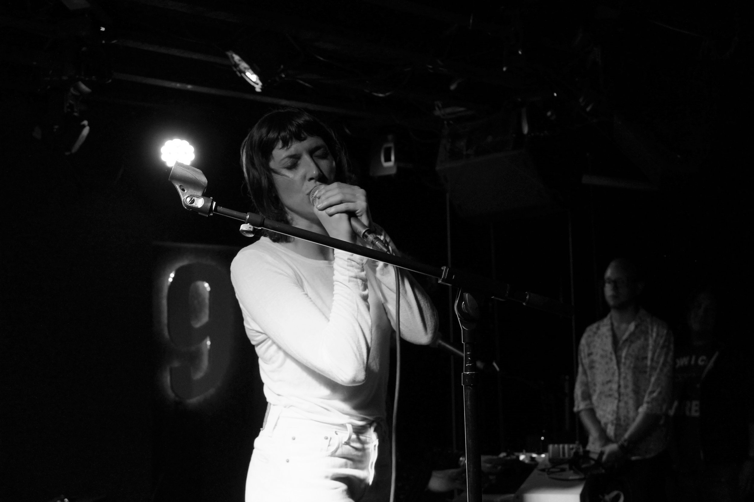 Den-Mate + Aldous Harding @ DC9 - This September, I saw Aldous Harding play at DC9. Having seen her perform twice this summer, in both DC and Brooklyn, I was already privy to her idiosyncrasies and atypical performance. Our first encounter was not what I had expected, but in a good way.