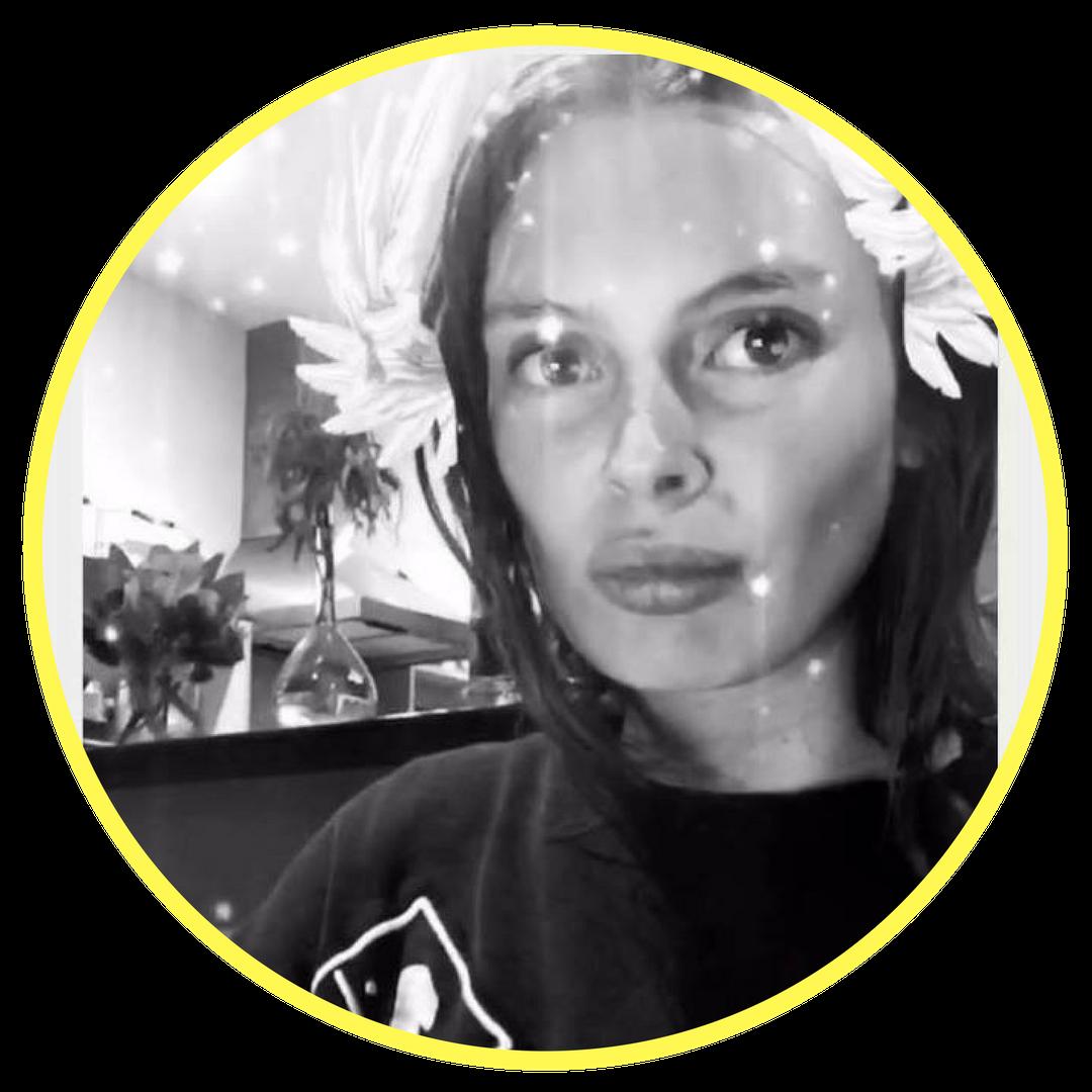 Andie Leslie - Social Media