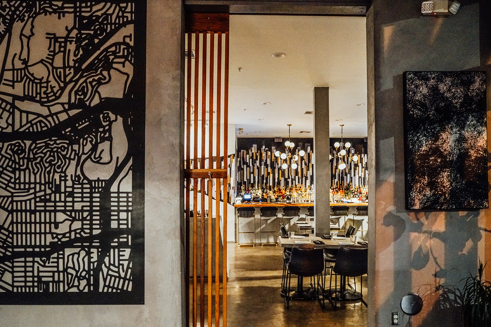 LA-Downtowner-Tuck-Lobby-Bar-4_sm.jpg