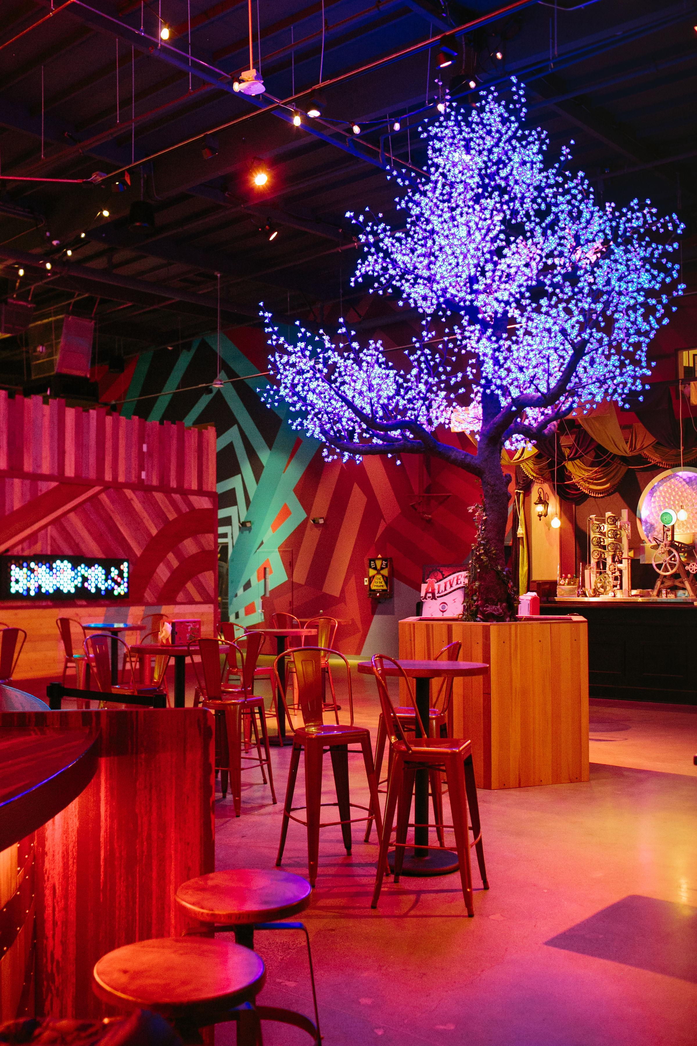 LA-Downtowner-Two-Bit-Circus-2.jpg